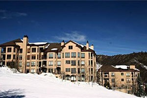 Snowmass Lodging Company :: Offers a superb selection of high quality condominiums and townhomes in Snowmass Village. From budget condos to lavish multi-bedroom suites, many with ski-in/out access.