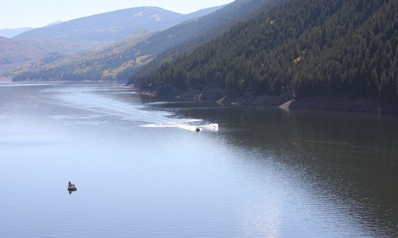 Waterskiing the Ruedi Reservoir
